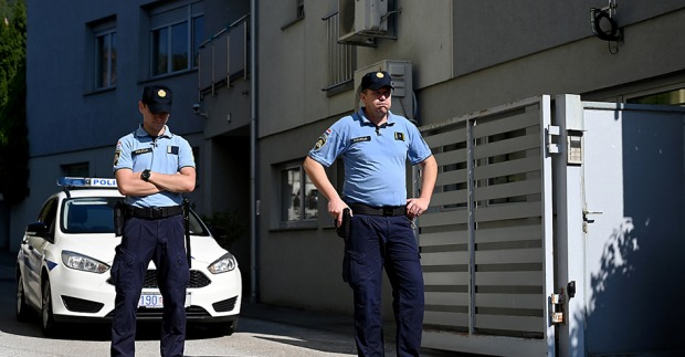 Tragödie: Vater soll drei Kinder ermordet haben