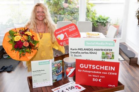 Blumen für die Preisträgerin