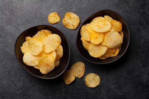 Kartoffelchips | Credit: iStock.com/karandaev