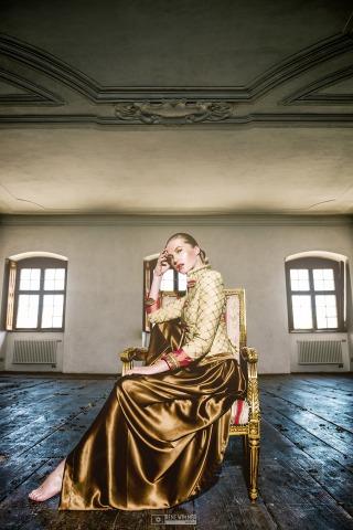 Robe von Anncouture   Credit: Rene Wimmer
