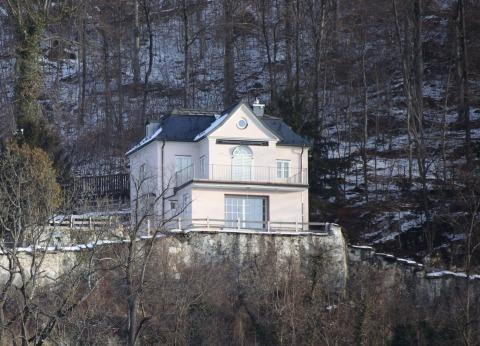 Villa am Kapuzinerberg in Salzburg   Credit: www.neumayr.cc