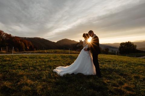 Ein Wolfsberger Paar im Sonnenuntergang | Credit: René & Steffi