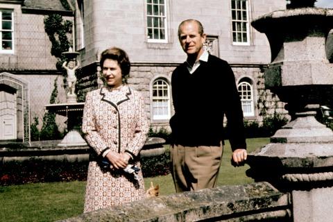Prinz Philip und Königin Elisabeth II. 1972 in Balmoral | Credit: PA/picturedesk.com