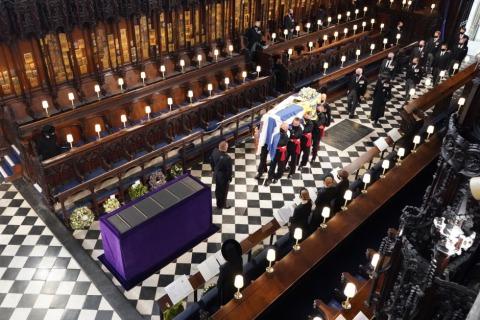 Aufbahrung des Sargs von Prinz Philip in der St. George's Kapelle | Credit: DOMINIC LIPINSKI / AFP / picturedesk.com