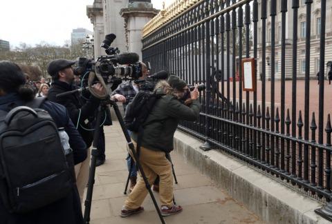 Großer Mediendrang vor dem Buckingham Palast | Credit: Matt Dunham / AP / picturedesk.com