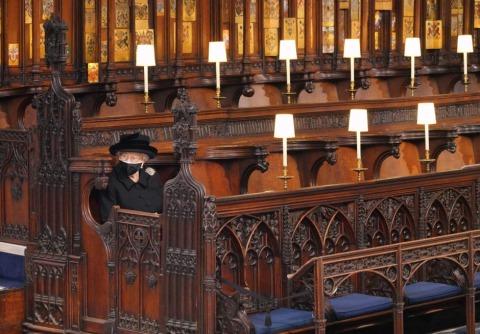 Die Queen in stiller Trauer in der St. George's Kapelle | Credit: JONATHAN BRADY / AFP / picturedesk.com