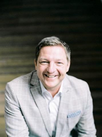 Porträt von Villachs Bürgermeister Günther Albel