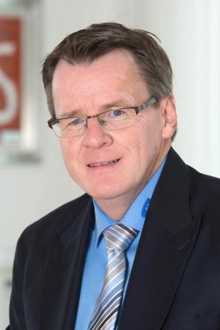 Porträt des AMS Kärnten Geschäftsführers Peter Wedenig