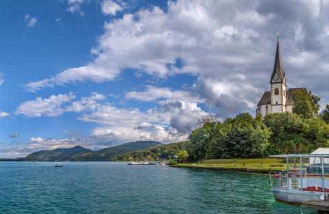 Foto von dem Wörthersee und der Kircheninsel Maria Wörth