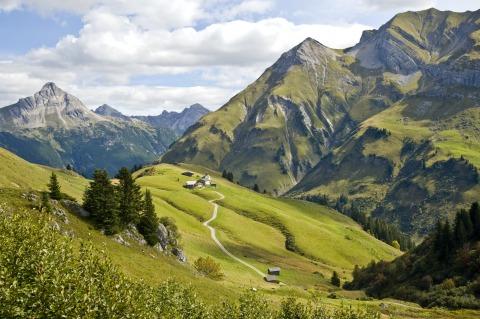 Eine Aufnahme von dem gewaltigen Panorama des Bregenzerwaldes