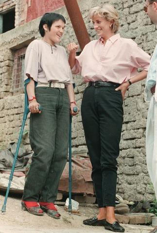 Lady Diana bei einem Besuch