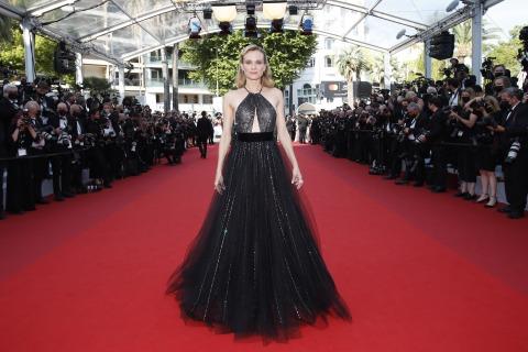 Schauspielerin Diane Kruger in einem schwarzen Kleid