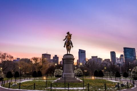 George Washington Monument im Public Garden in Boston   Credit: iStock.com/Chansak Joe