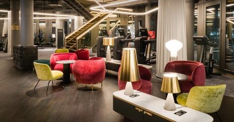 Lounge-Bereich bei John Harris am Wiener Hauptbahnhof | Credit: John Harris Fitness