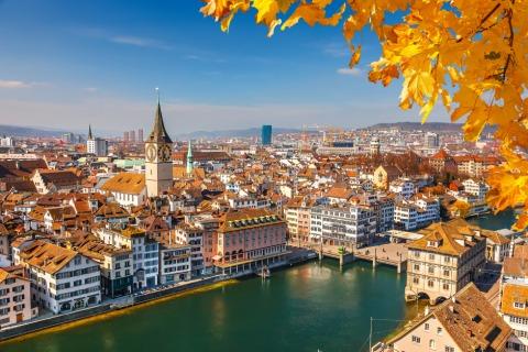 Zürich von oben im Herbst | Credit: iStock.com/sborisov