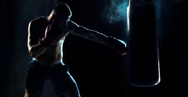 """Kickboxer bekennt: """"Am liebsten stricke ich"""""""