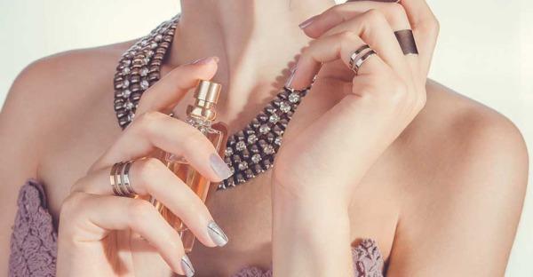 Bibergeil und Co.: Diese Stoffe stecken in Parfüms