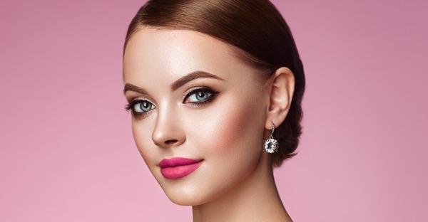 SOS bei Schminkpannen: 7 Tipps, die ihr Make-up retten