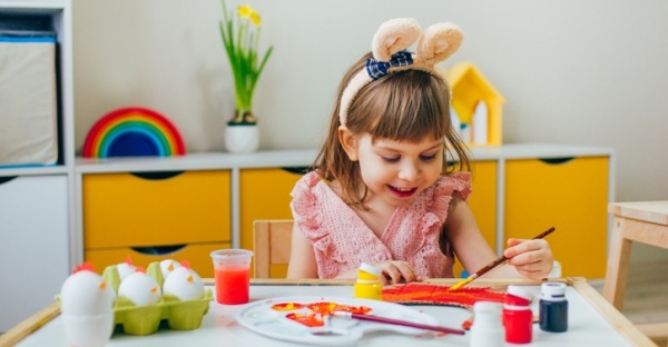 Corona: Zuhause statt Kindergarten. Tag 17: Osterhasen basteln