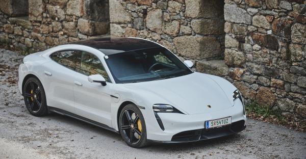 Test: Porsche Taycan Turbo S - Unter Starkstrom!
