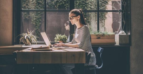 Digitaler Overload: 5 Tipps gegen gereizte Bildschirm-Augen