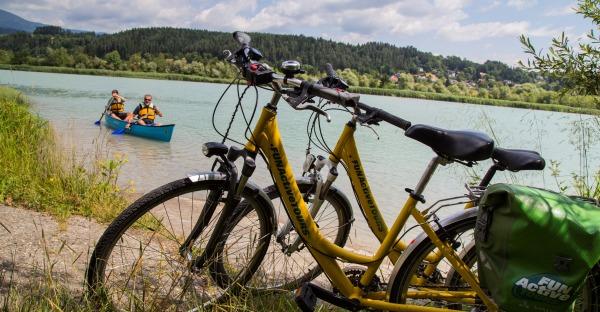 Kärnten erleben: Die Drau paddelnd erkunden