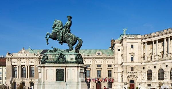Exklusive Sommerführungen in der Hofburg Wien