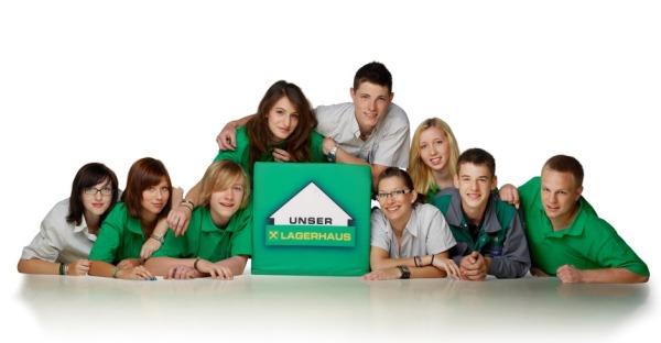 Lehrlinge im Lagerhaus