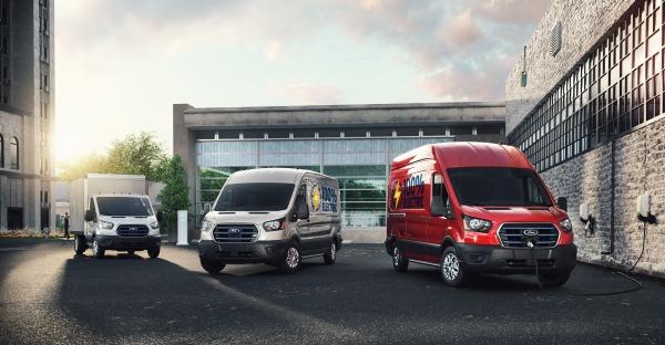 Ford Lastentier am Kabel - der neue E-Transit