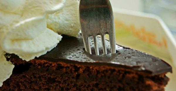 Hotel Sacher verkauft Sacher-Torte im Drive-In
