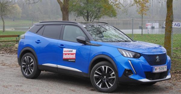 Test: Peugeot e-2008 - Wie fährt sich der Elektro-Löwe der Franzosen?