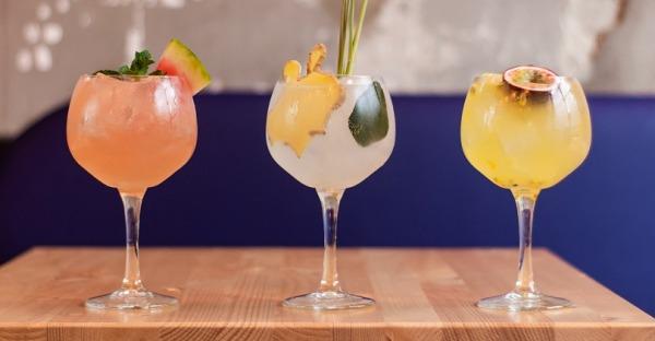 Diese Bars liefern Cocktails nach Hause