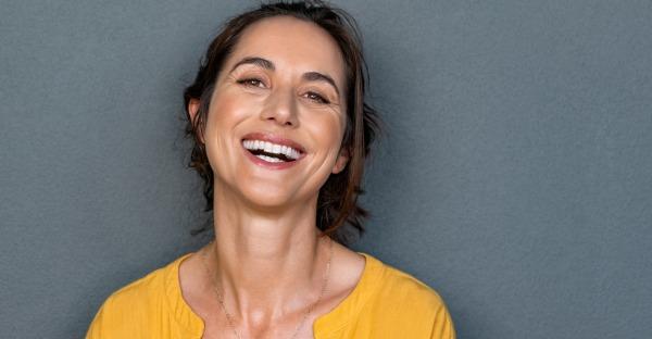 Mit diesen 3 Tricks bleiben Mund und Zähne gesund!