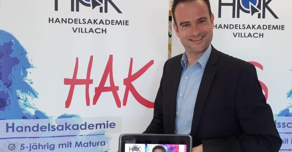 online hakademy: HAK Villach lädt zur smarten Beratung