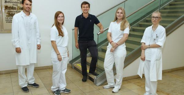 Neue Ärzte für OÖ: die ersten Absolventen der MedUni Linz