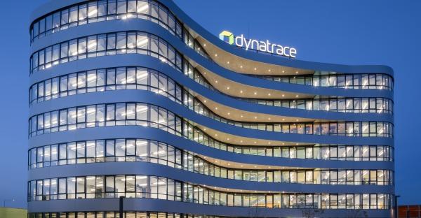 Erfolgsstory: Dynatrace optimiert Impfanmeldung für Land OÖ