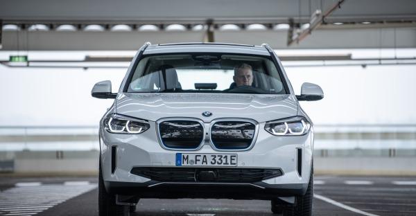 Test BMW iX3: O'gsteckt is - Elektro ist nicht für die Weißwürscht!