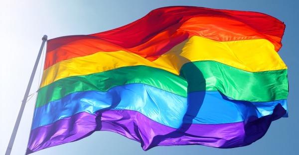 Trotz Verbot: Faber segnet weiterhin homosexuelle Paare