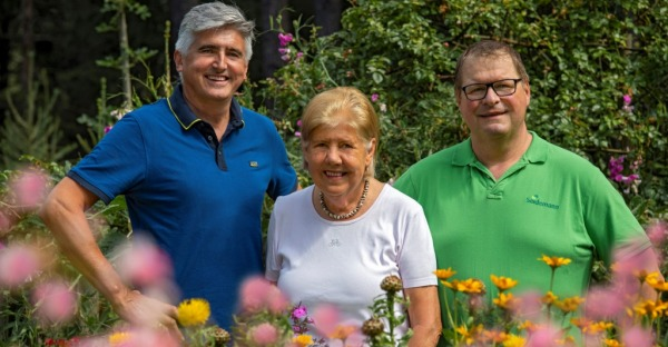"""Gewinnspiel: Neuerscheinung """"Bienenparadies Biogarten"""""""