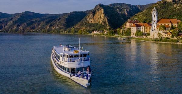 Donau erleben mit Brandner Schifffahrt