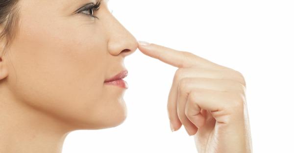 Hyaluron zur Nasenkorrektur: Spritze statt OP?