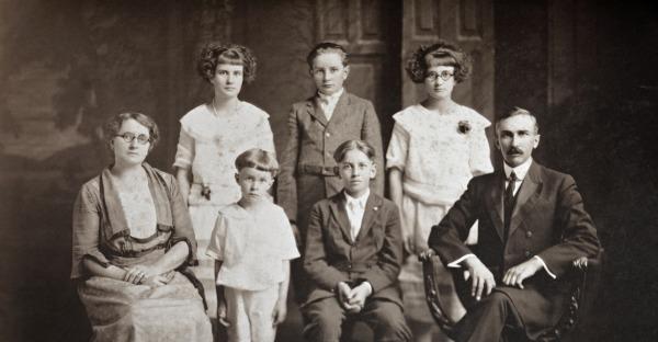 Familiengeschichte entdecken: 5 Tipps zur Ahnenforschung