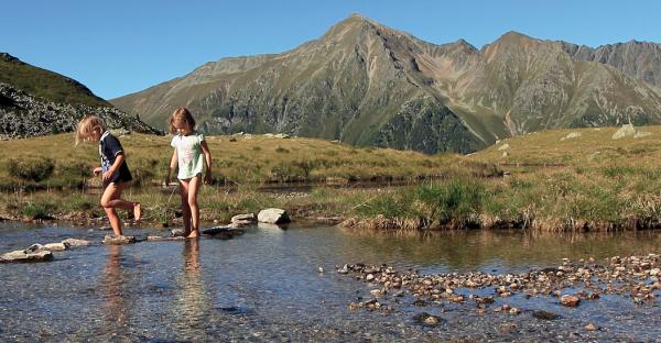 """Neues Wanderbuch: """"Abenteuer Natur. Tirol: Innsbruck & Umgebung"""""""
