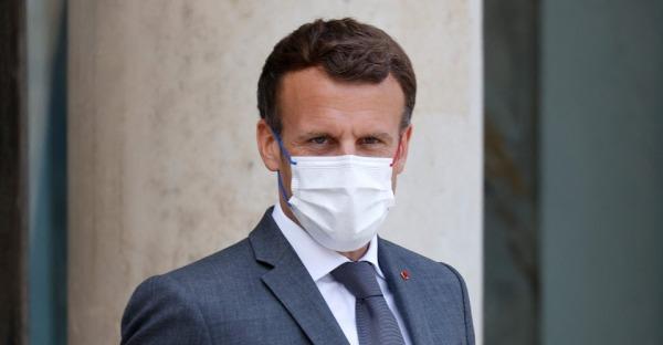 Abgewatscht: Ohrfeige für Macron