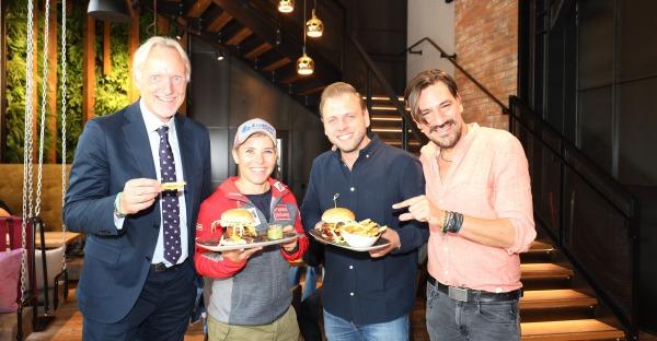 Mit Nici Schmidhofer: Le Burger hat in Graz eröffnet!