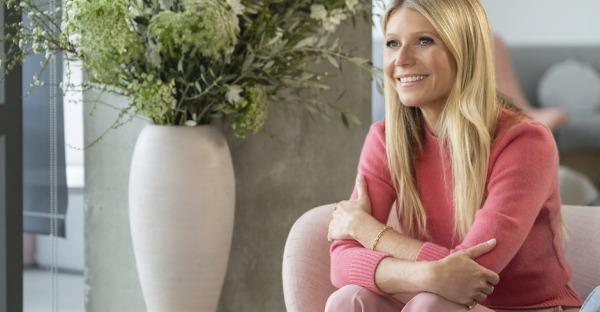 Gwyneth Paltrow legt sich zum 49er nackt in die Wanne