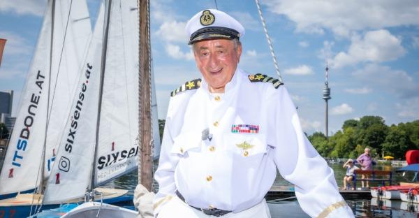Richard Lugner sticht mit dem Loveboat in See