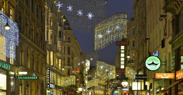 X-Mas-Alarm: Erste Weihnachtslichter hängen schon