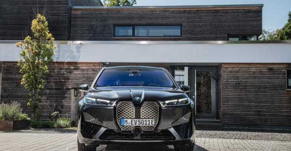 Test: Video zum neuen BMW iX xDrive50 mit Werner Christl