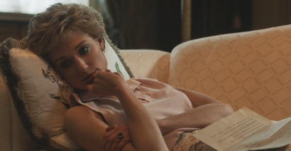"""Diana ganz verliebt: Erste Bilder vom """"Crown""""-Set"""